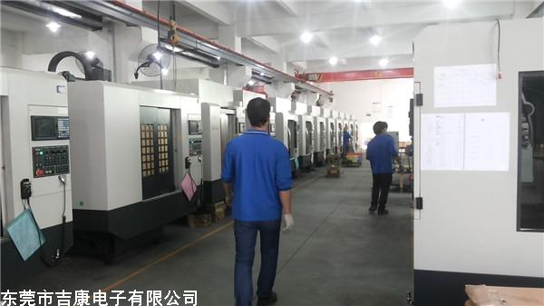 交流变频电源及稳变压器应用于出口数控加工中心设备出厂测试