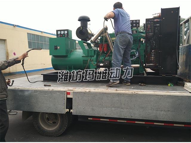 200千瓦机组送到肉联厂