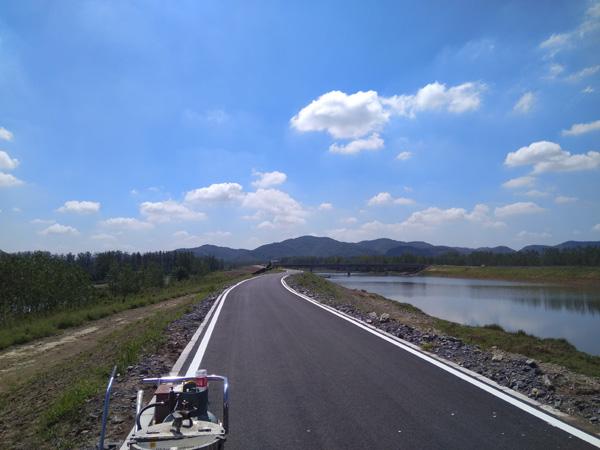 清流河防洪治理提升工程3标段道路标线施工