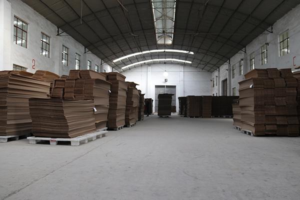成本纸板仓库