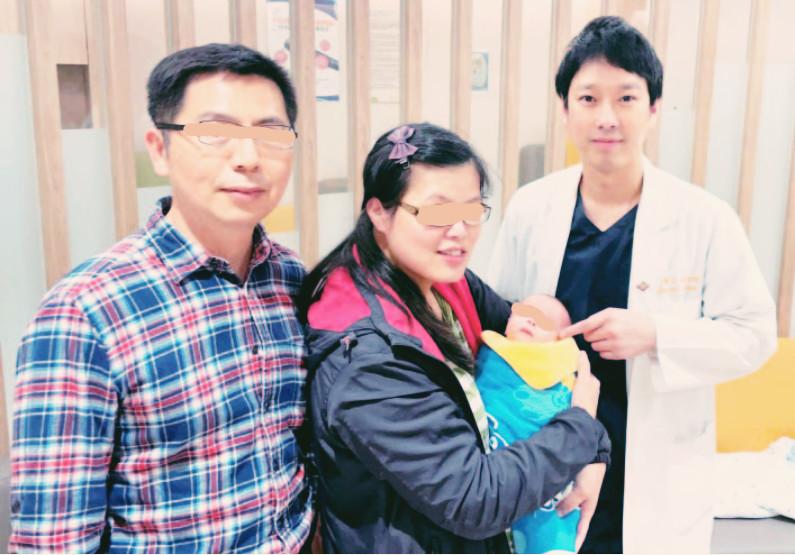 臺灣長庚醫院 | 罕見子宮角異位懷孕 選擇性減胎母子平安