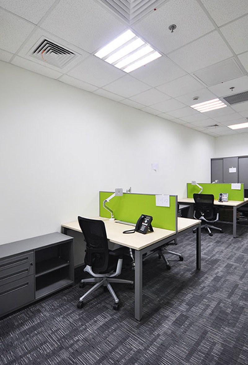 民用沙发厂家_钢架办公桌 高端铝合金钢架主管经理桌定做厂家直销钢架办公家具